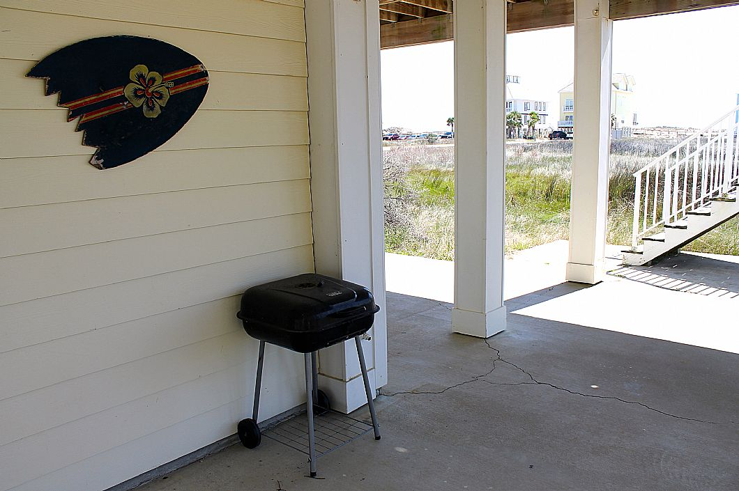 Grill & parking area