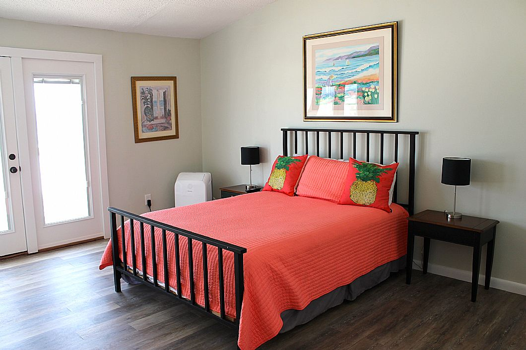 3rd floor Master w/ king sized bed