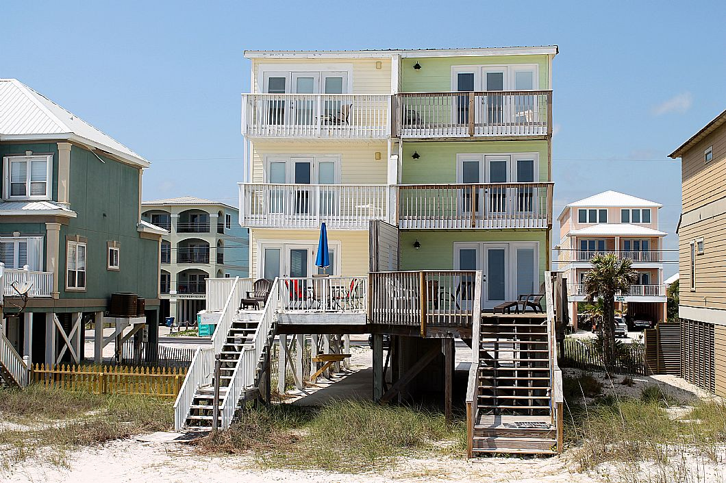 Close-up of the duplex from the beach side