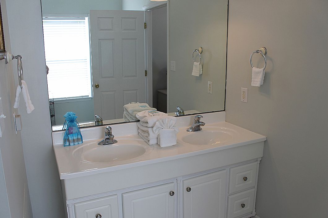 Double vanity in 3rd floor master bath