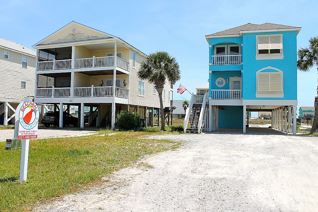 Anchor Blue is completely renovated! Sleeps 10