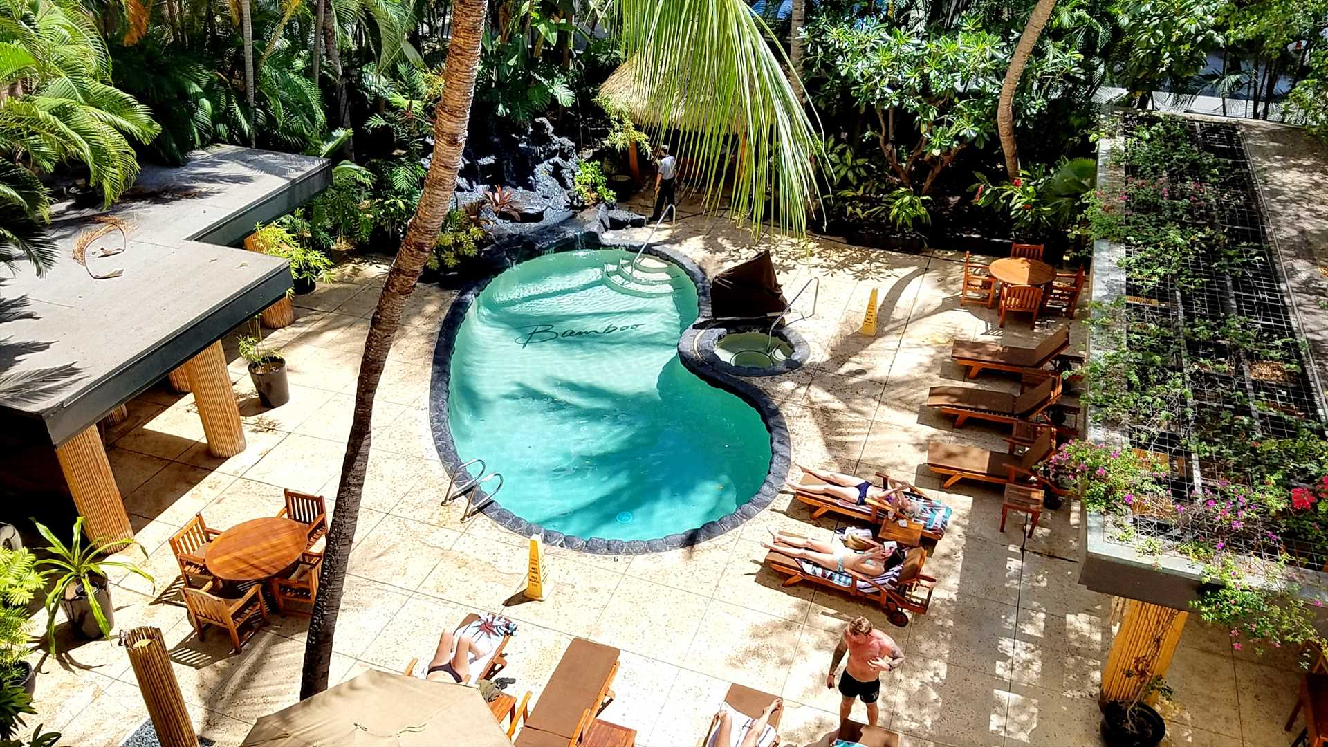 The Bamboo is a charming, boutique resort with lots of amenities including a pool, Jacuzzi, waterfalls, Tiki hut, BBQ, sauna, a beautiful lobby, free wireless internet and very friendly staff. There is also a poolside restaurant.