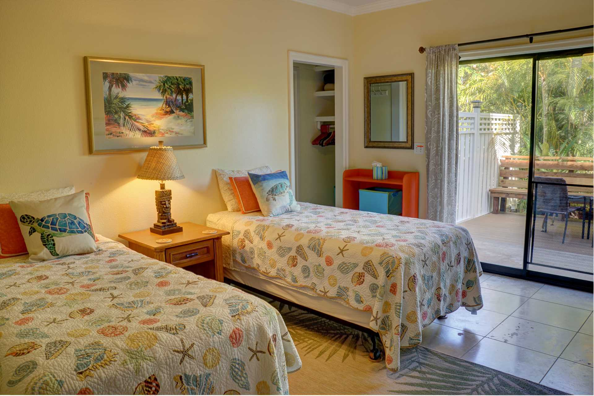 Honu room, twin beds can be made into a king bed