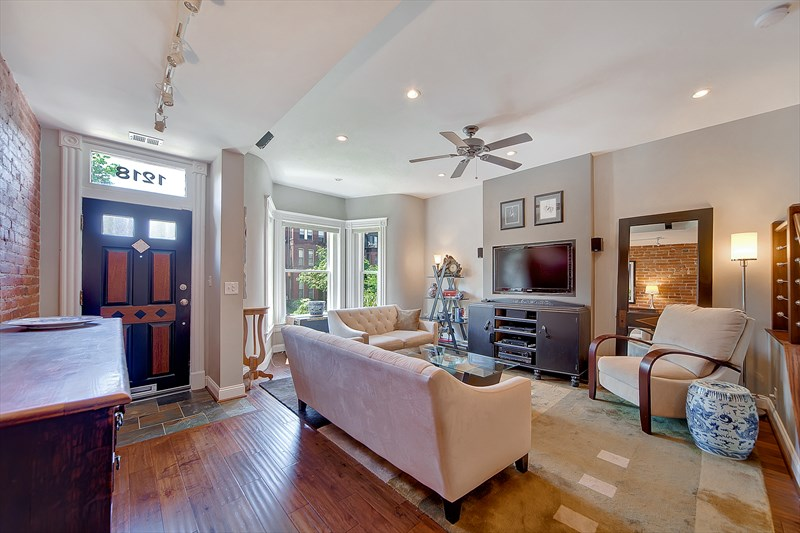 Capitol Hill Townhome Place To Stay On Vacation 3 Bedroom 3 Full 1 Half Bathroom Washington Dc