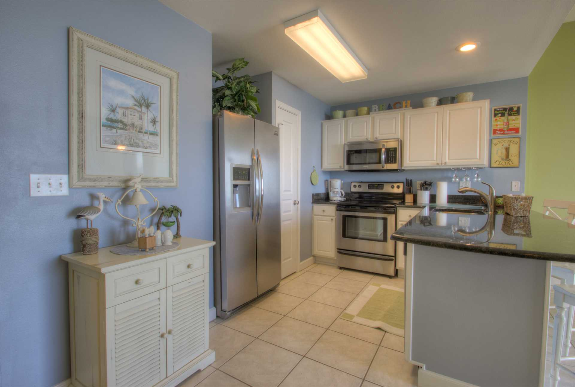 An updated and fully equipped kitchen
