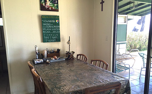 Hale Hiamoe Kitchen and Dining Area