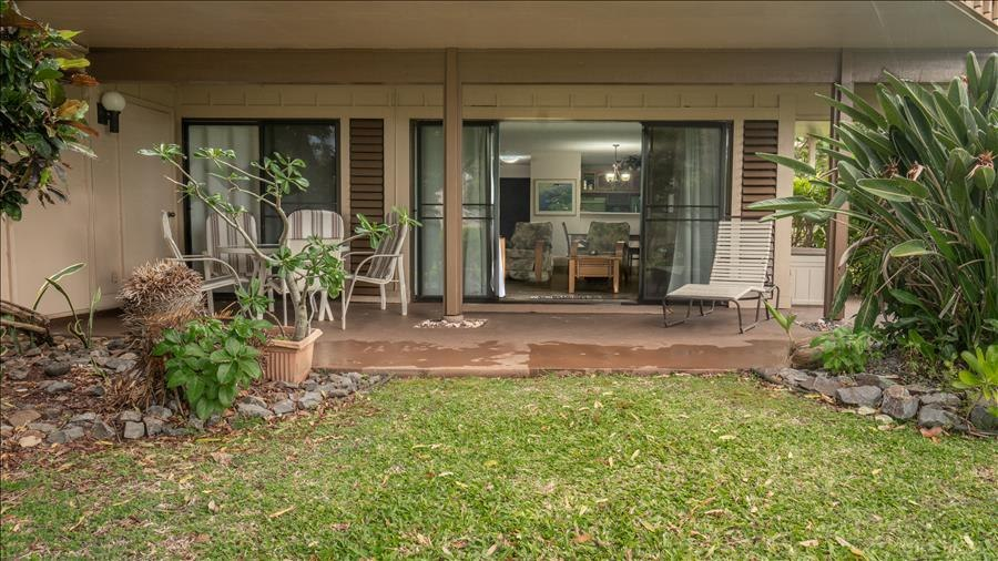 Grounds in-front of Lanai