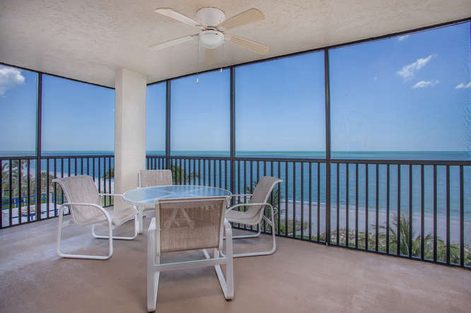 Beachfront in Naples Florida this 3 bedroom vacation rental rents monthly and sleeps 6 comfortably
