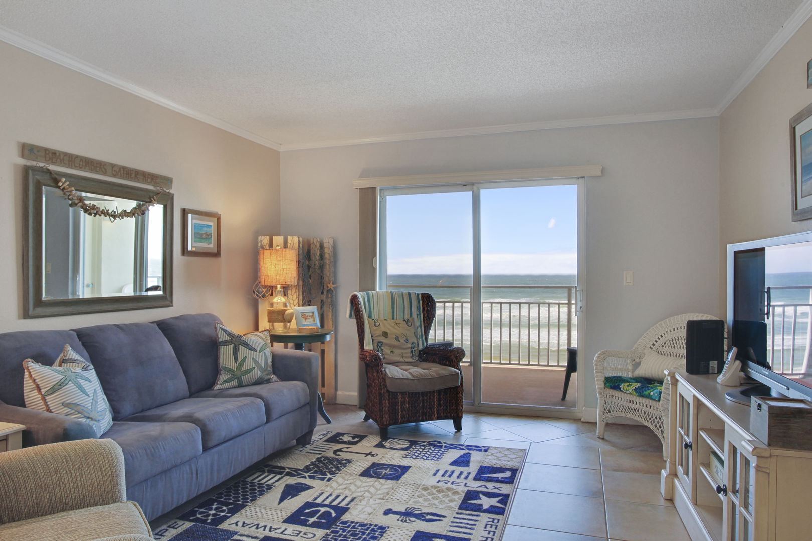 New Smyrna Beach Condo rentals with pool and ocean views