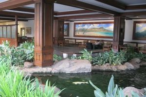 Comfortable Lobby...easy check-in, Island-style in waikiki