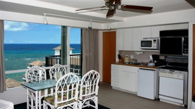 kitchens and dining rooms....enjoy breakfast on the lanai from your Oahu Condo