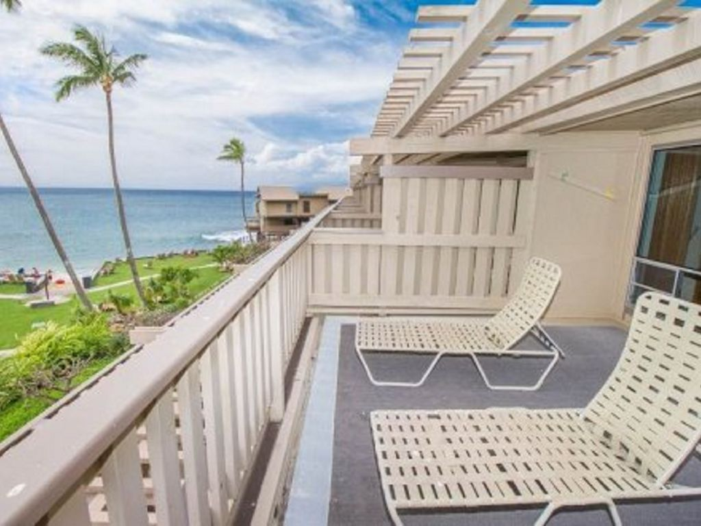 Large Lanais with gorgeous Oceanviews...Your Maui Hawaii Condo has it all.
