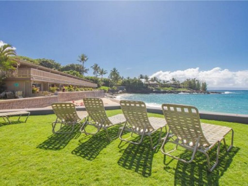 Soak up the Sun while relaxing Beachside...your Maui Hawaii Vacation rental awaits!