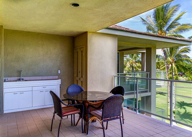 Relax on your own Private lanai...your Big Island Condo has it all