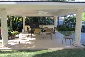 Covered lanai with BBQ