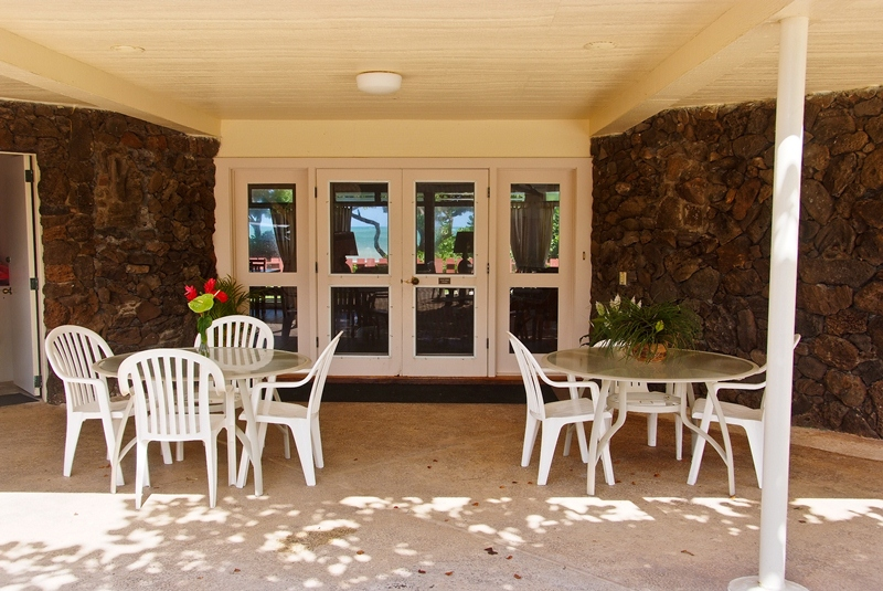 Outdoor covered dining