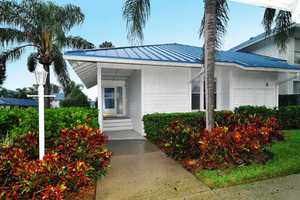 Entrance to Unit Monthly vacation rentals in Bradenton with 3 bedrooms