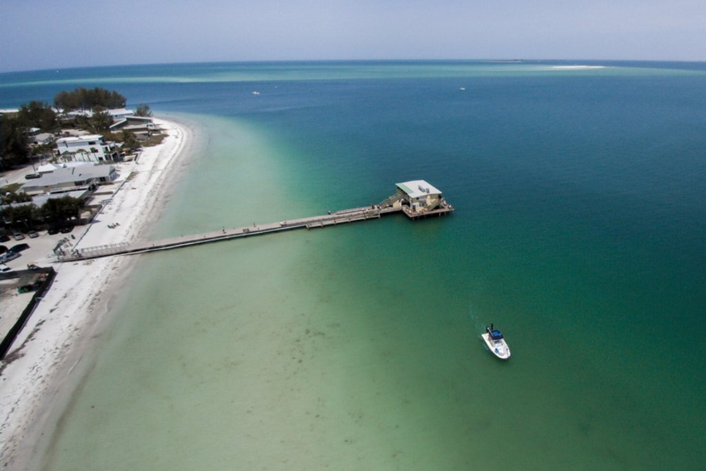 Fishing, Dining and Wildlife Watching at the Rod & Reel Pier