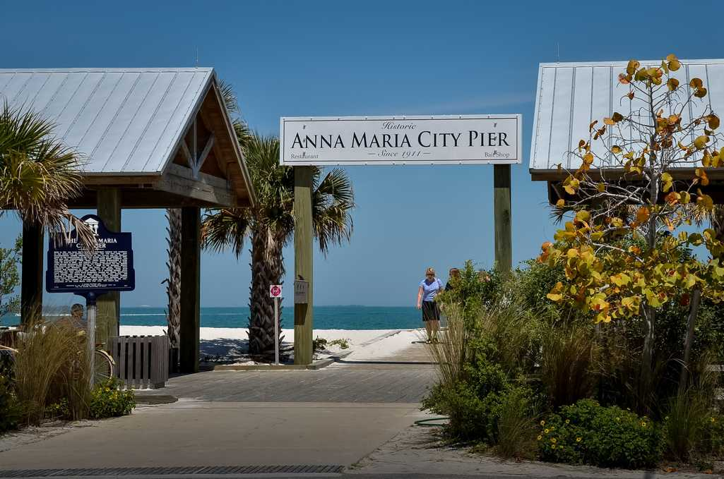 Walking Distance to Anna Maria City Pier