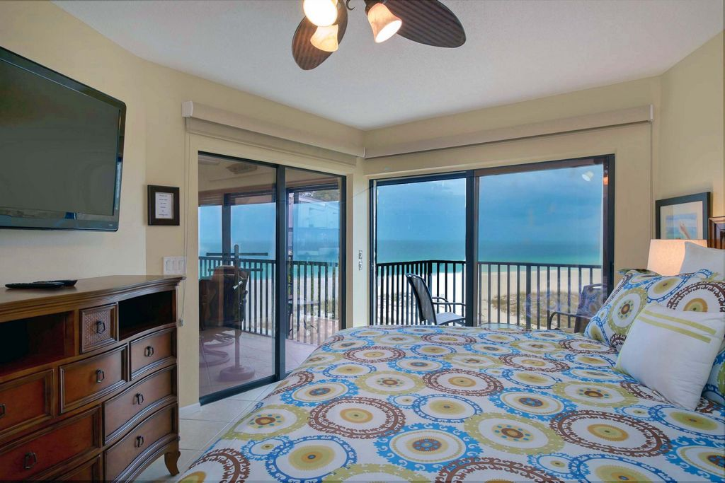 Relax in Style in the Master Suite with a Gorgeous View.