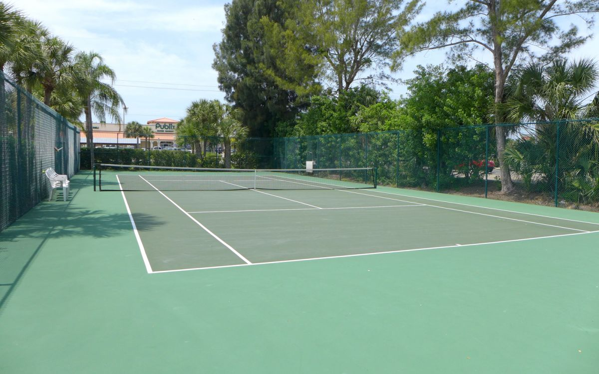 Tennis Courts Available for Guest Use