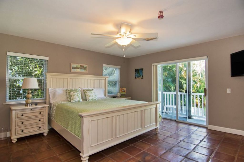 Master King Suite/ Lower Level