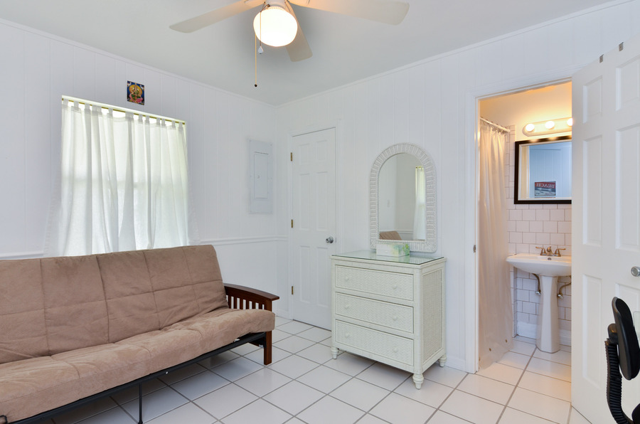 The 4th Bedroom / Den with Futon and Bath
