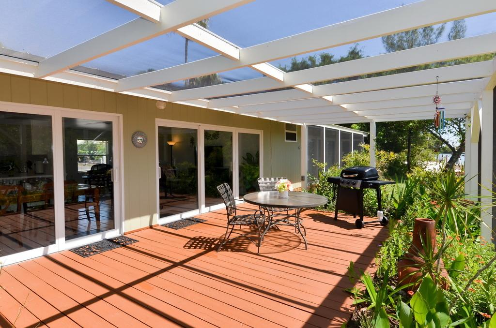 Grill and Dine on the Lanai