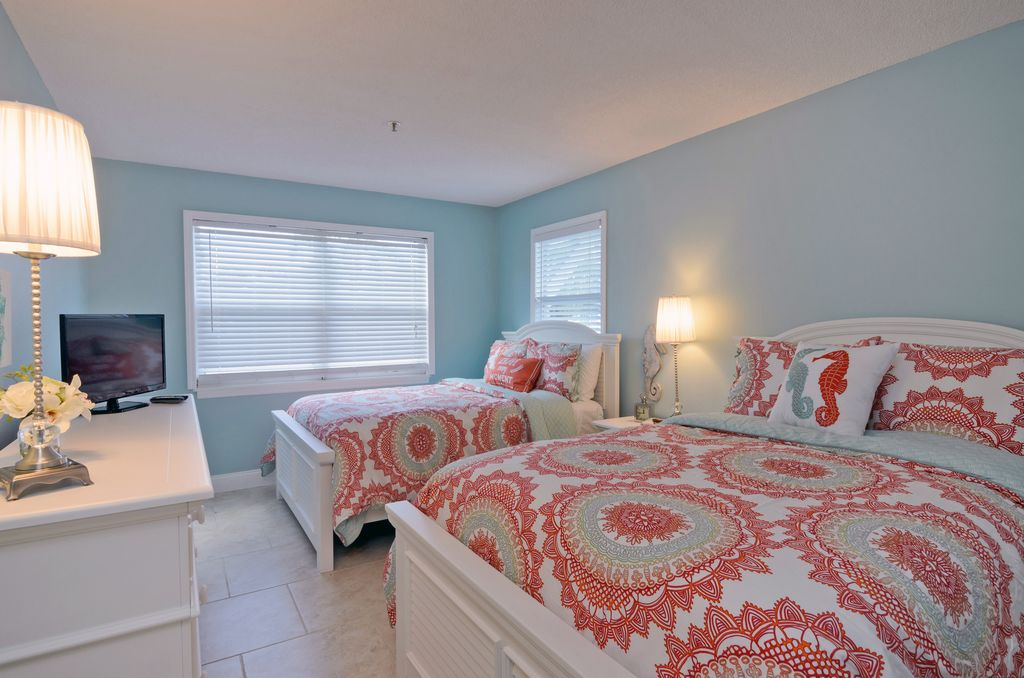 Second Bedroom with Full-Size Beds