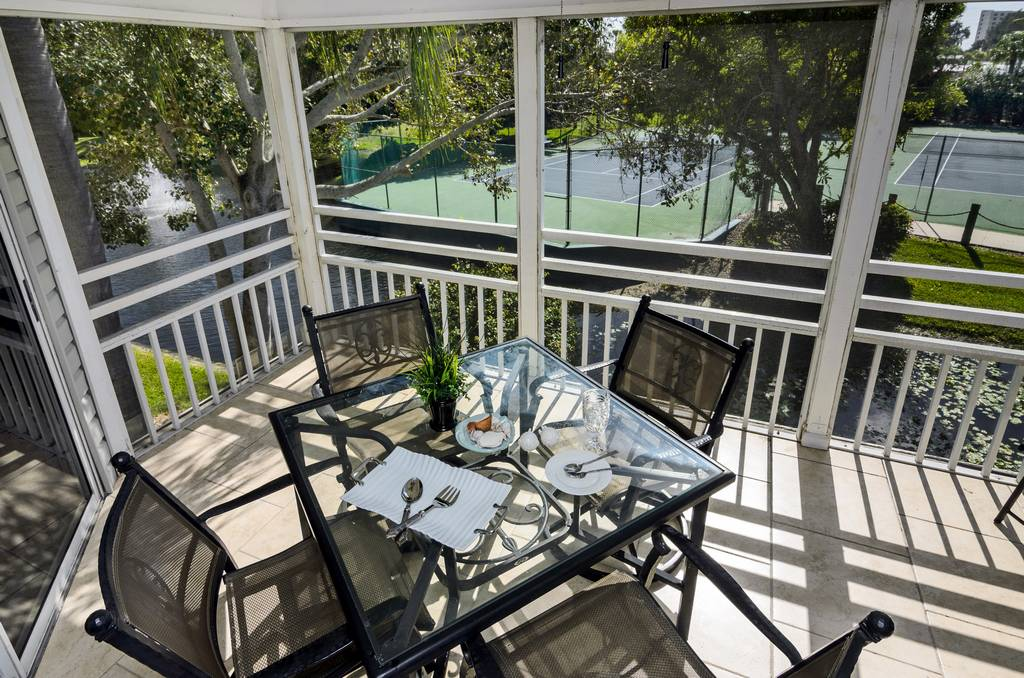 Lanai Overlooking the Tennis Courts