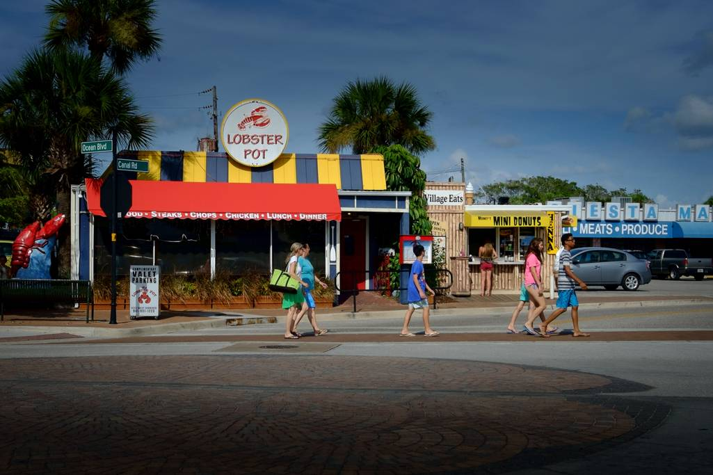 Take in Siesta Key Shopping, Dining and Night Life