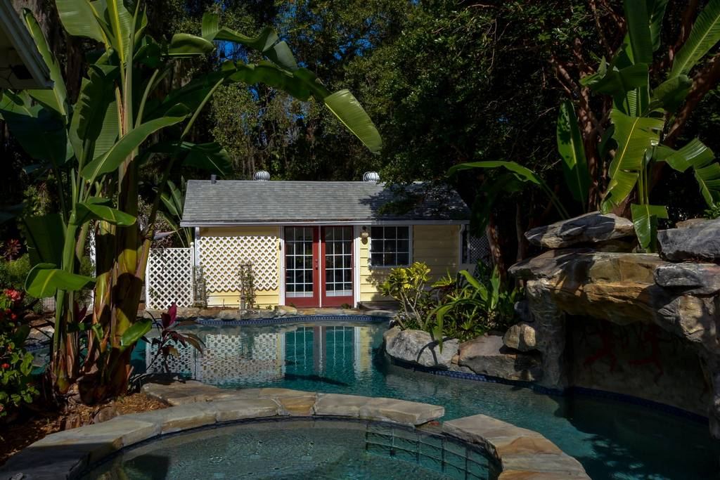 Spa and Pool Separate the Cottage from Guest House