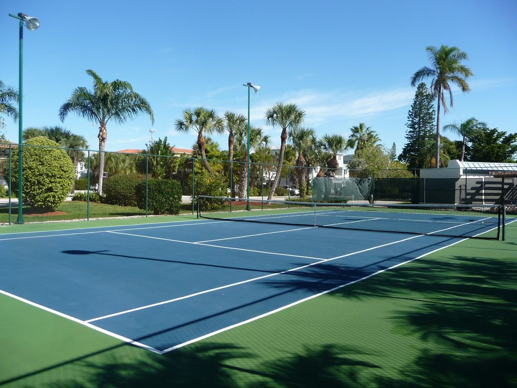 Community Tennis Courts Nearby.