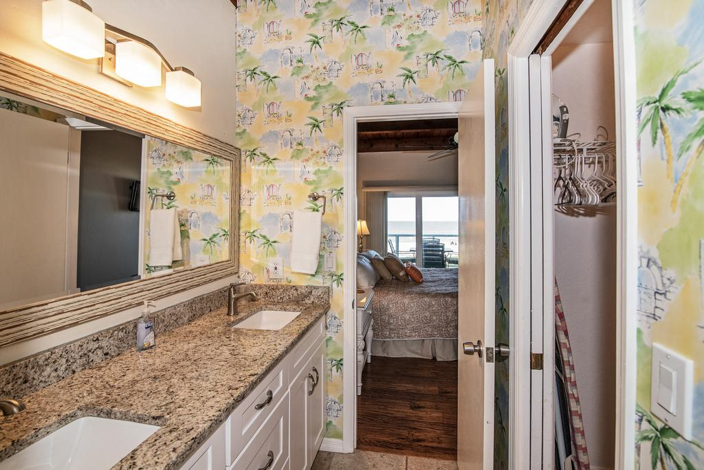 Master Bath W/Double Sinks and a Walk-In Closet.