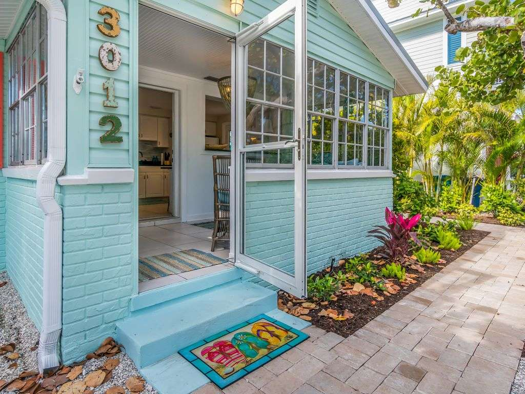 Front Entry and Lanai