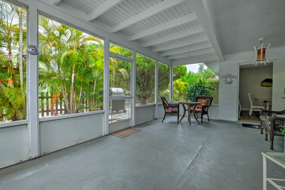 Screened-In Lanai Enters from Both Units