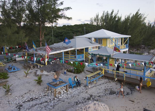 LeoRose beachfront restaurant and bar, a 5 minute drive from Atlantic Sunrise