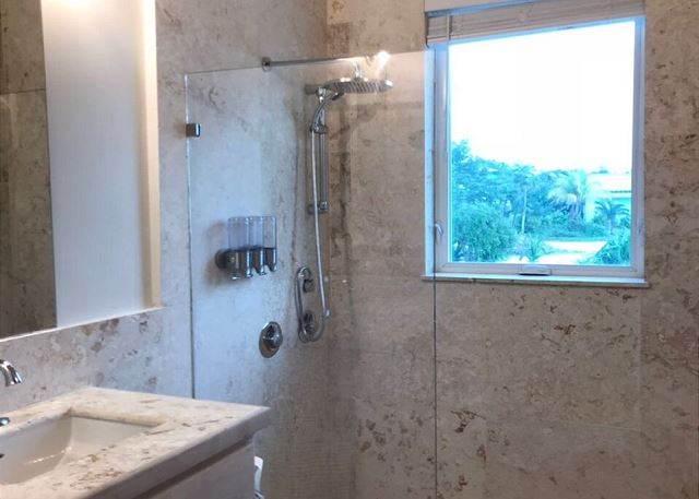 All bedrooms have luxury en suite baths finished in coral stone