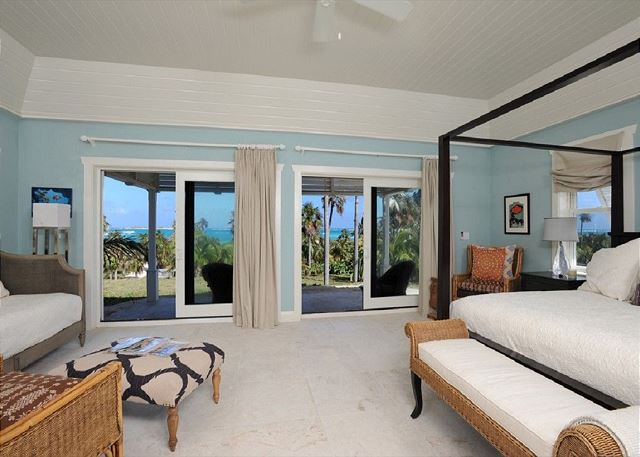 Guest cottage 1 with king bed and ocean views