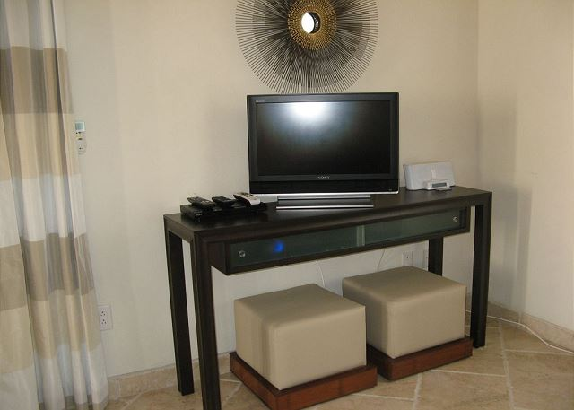 Sitting Area with Flat Screen TV