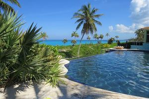 FREE access to infinity pool and hot tub