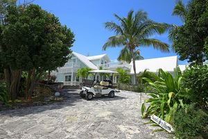 Elegant New Villa w/ Private Heated Pool, GOLF CART, Walk to Town, Beach Governors Harbour Bahamas Eleuthera Vacation Rentals