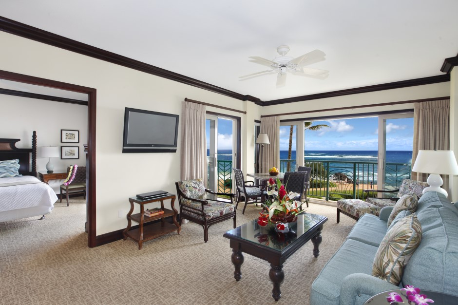 Oceanfront Living Room and Dining Area