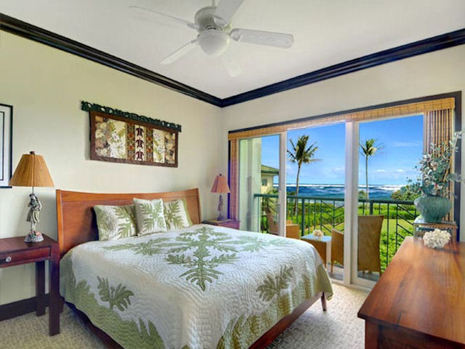 Oceanfront G206 Master Bedroom with King