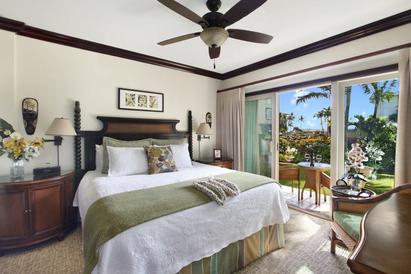 D101 Master Bedroom and Lanai with Pool View