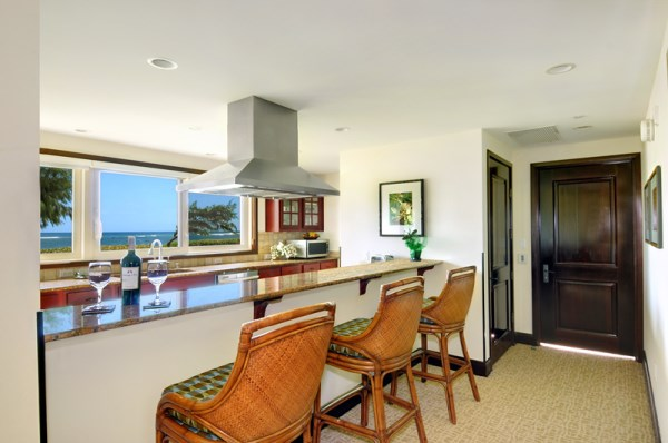 H101 Kitchen Breakfast Bar Oceanfront View