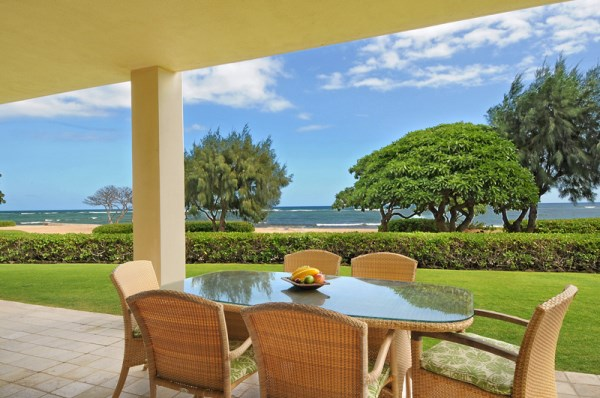 H101 Lanai Oceanfront View while dining