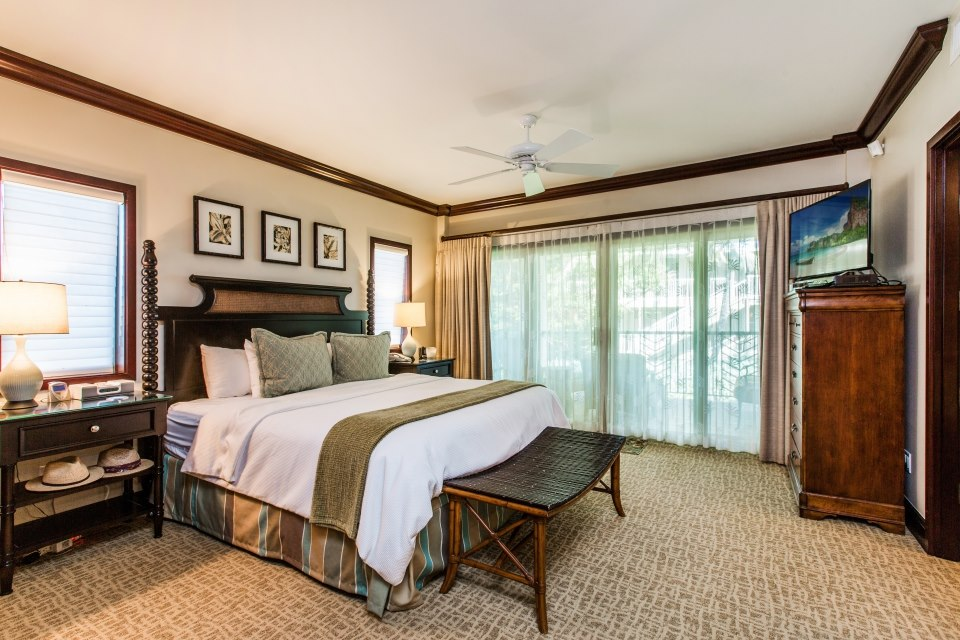 A207 Master Bedroom with King
