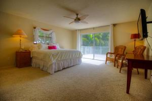 Second Master Retreat with Flat Screen TV, Private Bathroom