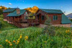 Mt Crested Butte Luxury home rental with 5 bedroom with hot tub and walk to the slopes